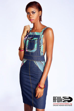 ad0cda0d83 Sara Q Denim Dungaree Dress With Front Print Details